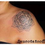 flor estilo henna hombro  (Custom)